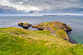 View of the Carrick-a-Rede Rope Bridge. Northern Ireland, County Antrim, Ballycastle, Ballintoy, United Kingdom.