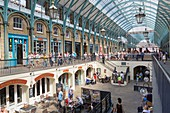 United Kingdom, London, Covent Garden, the old market of fruits and vegetables of the Central Square transformed in a shopping site and attraction
