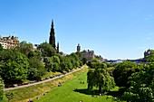 United Kingdom, Scotland, Edinburgh, listed as World Heritage by UNESCO, Princes Street Gardens, The tower Scott Monument built in honor of Walter Scott