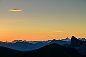 Mountain silhouettes at dawn with Allgäu Alps and Lechquellen Mountains, from the Zafernhorn, Großes Walsertal Biosphere Reserve, Bregenz Forest Mountains, Bregenzerwald, Vorarlberg, Austria