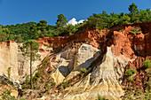 Ocher rocks in a former ocher quarry, Colorado Provencal, near Rustrel, Luberon Nature Park, Vaucluse, Provence-Alpes-Cote d´Azur, France