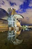 Illuminated Guggenheim Museum, architect Frank O. Gehry, Bilbao, Basque Country, Spain