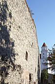 Mauerwerk mit Turm der Burg Bratislava, Bratislava, Slowakei