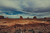 Sentinel Mesa, West Mitten Butte, East Mitten Butte and Merrick Butte in Monument Valley, Arizona, Utah, USA, North America