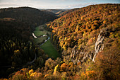 """View of the meandering course of the river """"Lauter"""" in autumn, Grosses Lautertal near Ehingen an der Donau, Swabian Alb biosphere area, Baden-Wuerttemberg, Germany, Europe"""