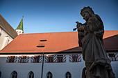 Marien statue in the inner courtyard of St Anna Munster, Heiligkreuztal Monastery (former Cistercian Abbey), Altheim near Riedlingen, Upper Swabia, Baden-Wuerttemberg, Germany, Europe