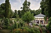 "Karussell im Schlossgarten ""Blühender Barock"", Schloss Ludwigsburg, Metropolregion Stuttgart, Baden-Württemberg, Deutschland, Europa"