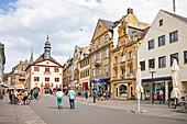 Fußgängerzone in der Altstadt von Bad Kissingen, Bayern, Deutschland