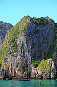 Thailand, Krabi, Phi Phi Ley Island, Maya Bay, boat, kayaks, people,