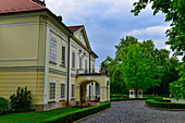 Parkanlage und historisches Schlosshotel  in Röjtökmuzsai, Ungarn