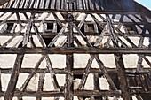 in Leutenbach an der Walberla, Dorf, Häuser, Altes Fachwerkhaus, Fränkische Schweiz, Ober-Franken, Bayern, Deutschland