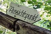 Wandern bei Streitberg im Wisenttal, altes Wegschild, Schild, Aussichtspunkt, Fränkische Schweiz, Ober-Franken, Bayern, Deutschland