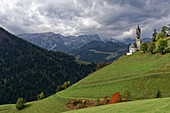 The chapel of St. Barbara above Wengen.