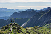 On the way on the Carnic High Trail, always along the border between East and South Tyrol.