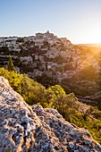France, Vaucluse, regional natural reserve of Lubéron, Gordes, certified the Most beautiful Villages of France, the village perched on a rocky spur