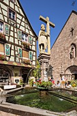 France, Haut Rhin, Route des Vins d'Alsace, Kaysersberg , place of the eglise, the chirch Sainte Croix and the fountain Constantin