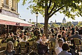 France, Paris, the banks of the Seine listed as World Heritage by UNESCO, bar, restoring, glacier(ice-cream maker) Berthillon street Saint-Louis en l'ile with the wait for ice creams, view of the dome of the Pantheon