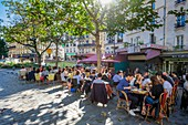 France, Paris, Quartier Latin, café terrace in Mouffetard street