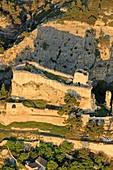 Frankreich, Bouches du Rhone, Boulbon, Feodalburg (11.) als historisches Denkmal aufgeführt (Luftaufnahme)