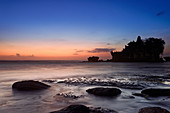 The tide sets in at the Tanah Lot temple in the evening, Bali, Indonesia, Southeast Asia, Asia