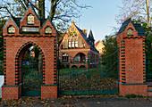 Entrance Pfingsthaus, Evangelical elementary school, Grosse Weinmeisterstrasse, Potsdam, State of Brandenburg, Germany