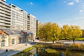 France, Paris, Quartier des Batignolles, Martin Luther King Park in the autumn, redeveloped on former SNCF property