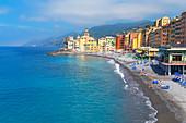 The picturesque fishing village of Camogli, Camogli, Riviera di Levante, Liguria, Italy, Europe