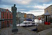 Walk through the Art Nouveau town of Alesund, Möre og Romsdal Province, Vestlandet, Norway, Europe