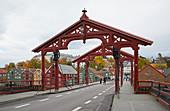 Trondheim, bridge (Gamle Bybroa) in the storage district on Nidelva, Bakklandet, Sör-Trondelag Province, Trondelag, Norway, Europe