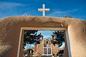 The historic adobe San Francisco de Asis church in Taos, New Mexico, United States of America, North America