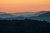 USA, Georgia, Blue Ridge Mountains at sunrise