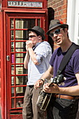 Musicians on Market Place, Henley-upon-Thames, Oxfordshire, England