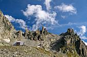 Sidelenhütte with Chli Bielenhorn, Sidelenhütte, Urner Alps, Uri, Switzerland