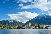 Tegernsee with Rottach-Egern, Bodenschneid and Wallberg in the background, Tegernsee, Upper Bavaria, Bavaria, Germany