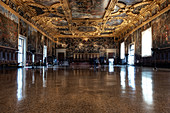 View into the Chamber of the Grand Council, Sala del Maggior Consiglio, Doge's Palace, Palazzo Ducale, San Marco, Venice, Veneto, Italy, Europe
