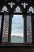 Blick aus dem Fenster des Dogenpalast auf die Insel San Giorgio, Palazzo Ducale, san Marco, Venedig, Venetien, Italien, Europa