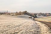 Hügellandschaft bei Possenheim, Iphofen, Kitzingen, Unterfranken, Franken, Bayern, Deutschland, Europa