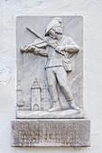 Gedenktafel an Stadtor von Gundelfingen an der Donau, Landkreis Dillingen, Bayern, Deutschland