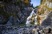 Der Wasserfall der Großen Laine bei Jachenau, Oberbayern, Bayern, Deutschland
