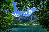 Blick über den Oberen Gosausee auf das Dachsteinmassiv, Gosau, Gosauseen, Oberösterreich, Österreich, Europa
