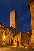 Evening mood in San Gimignano, Province of Siena, Tuscany, Italy