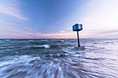 Turm 9 vom Wasser umspült, Heiligenhafen, Ostsee, Ostholstein, Schleswig-Holstein, Deutschland