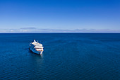 Aerial view of cruise ship MV Reef Endeavor (Captain Cook Cruises Fiji), Yaqeta, Yangetta Island, Yasawa Group, Fiji Islands, South Pacific