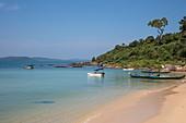 Fishing boats on Ganh Dau Beach, Ganh Dau, Phu Quoc Island, Kien Giang, Vietnam, Asia