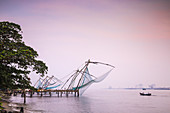 Chinese fishing nets, Fort Kochi, Cochin (Kochi), Kerala, India, Asia