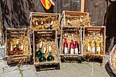 Lokaler Weinverkauf an der Straße in Rothenburg ob der Tauber, Mittelfranken, Bayern, Deutschland