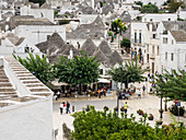 View of the town and trulli houses, Alberobello, UNESCO World Heritage Site, Puglia, Italy, Europe