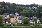 Houses and villas on the Rhine, Hirzenach, Rhineland-Palatinate, Germany, Europe