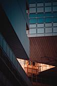 Hypovereinsbank Tower mit einem Tilt-Shift-Objektiv fotografiert, München, Deutschland