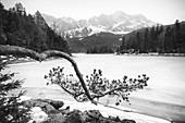 View of the Eibsee in winter, Grainau, Upper Bavaria, Bavaria, Germany, Europe,